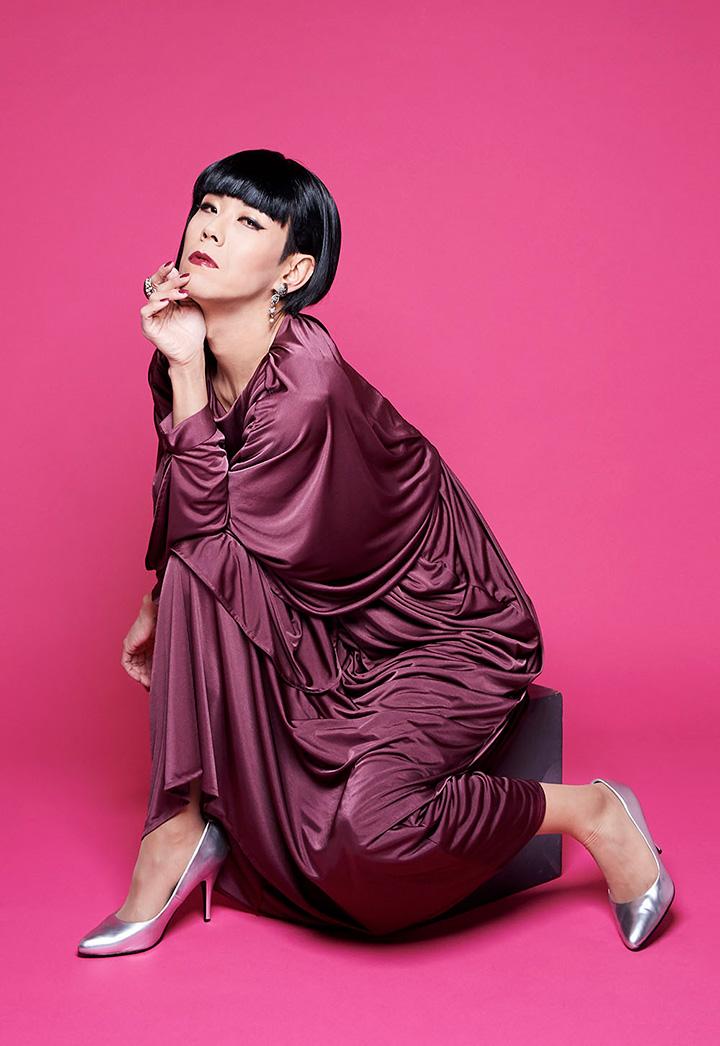 星屑 スキャット メンバー ミッツ・マングローブ率いる女装歌謡ユニット、星屑スキャットがデビ...